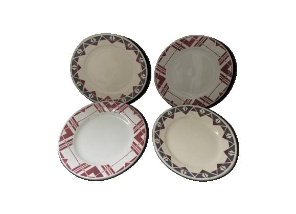 Ensemble quatre assiettes plates à motifs géométriques