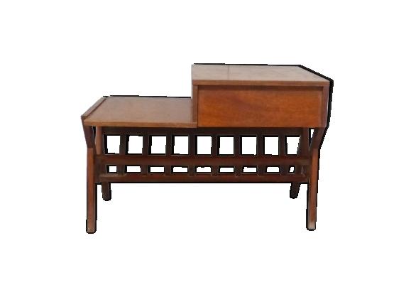 Table basse porte-revue en bois laqué des années 50