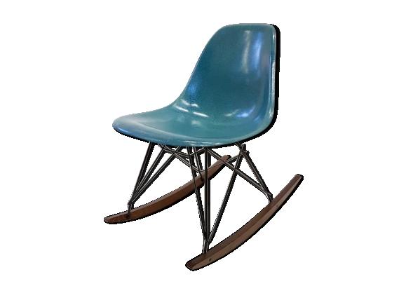 Rocking chair par Charles et Ray Eames en fibre de verre années 60
