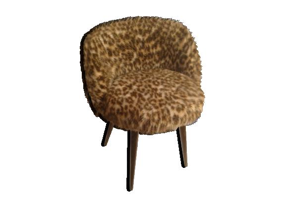 fauteuil fourrure l opard pieds tripodes ann e 70 bois. Black Bedroom Furniture Sets. Home Design Ideas