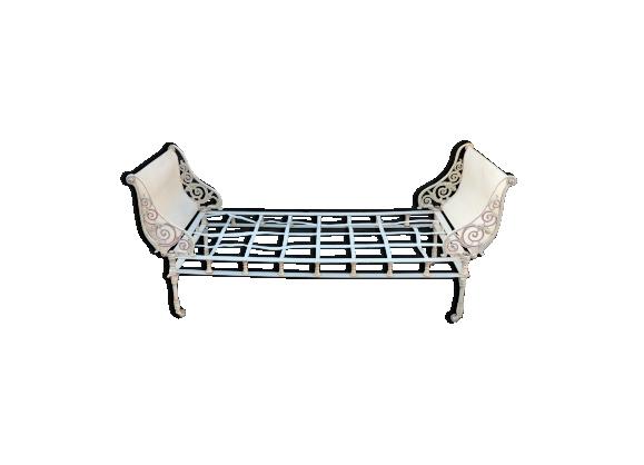 jardin fer forg. Black Bedroom Furniture Sets. Home Design Ideas