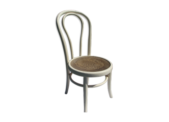 chaise basse de nourisse bois courb bois mat riau. Black Bedroom Furniture Sets. Home Design Ideas