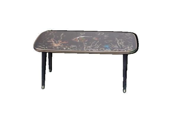 Table basse noire, design, rectangulaire, pieds compas bois et metal, peinture les poissons signée Sanoie vintage 1960