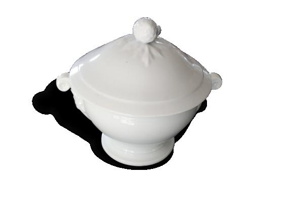 Soupière ancienne en porcelaine blanche