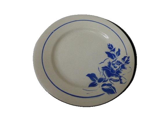 Assiette en faience blanche et fleurs bleues, modele hubert, digoin sarreguemines France