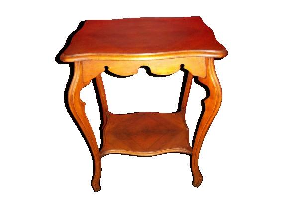 Table d'appoint en merisier de style Louis XV