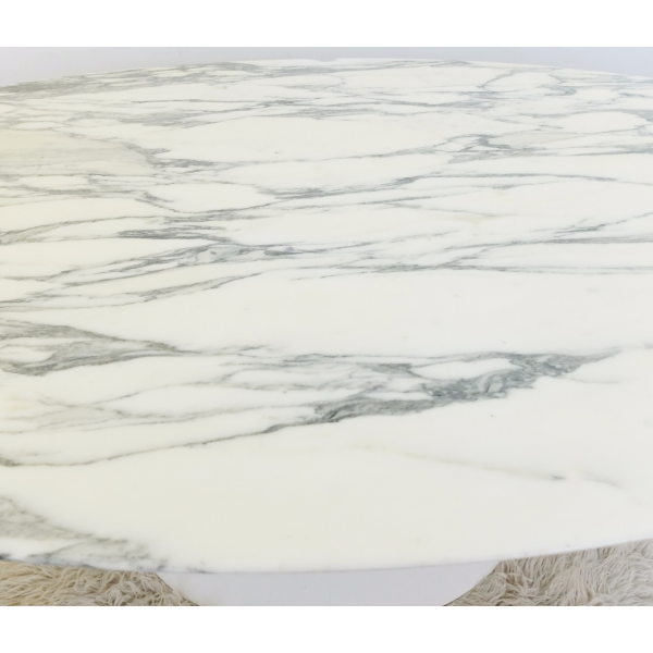 Table de salle manger en marbre de calacatta ovale de eero saarinen pour knoll marbre - Marbre blanc calacatta ...