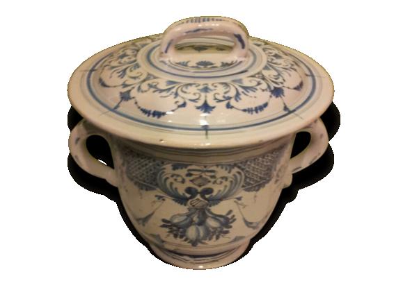 rare et ancien vase de nuit en faience c ramique porcelaine fa ence blanc bon tat. Black Bedroom Furniture Sets. Home Design Ideas