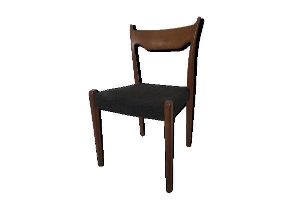 Chaise scandinave en bois et chevron