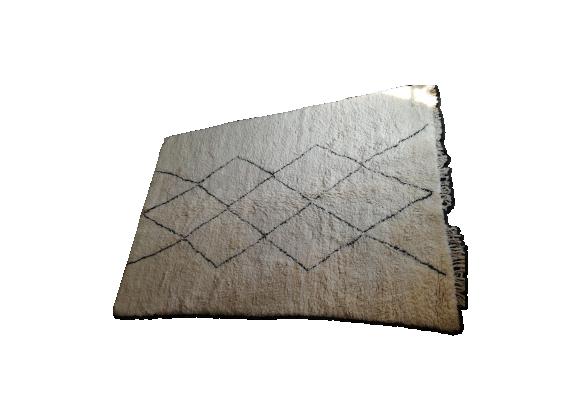 tapis vintage beni ouarain tissu blanc bon tat thnique 5dd55299044c3b15a05ff061ea1c7a58. Black Bedroom Furniture Sets. Home Design Ideas