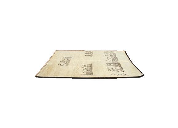 tapis berb re beni ouarain 200x300 cm tissu blanc bon tat thnique. Black Bedroom Furniture Sets. Home Design Ideas