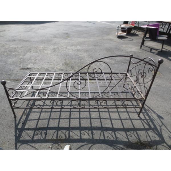 m ridienne en fer forg fer marron bon tat classique 51977a134f1e3b519f0eb6f977999e43. Black Bedroom Furniture Sets. Home Design Ideas