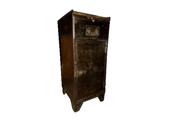 meuble industriel type casier de rangement m tal gris. Black Bedroom Furniture Sets. Home Design Ideas