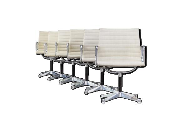 Lot de 6 fauteuils EA108 par Ray & Charles Eames pour Herman Miller