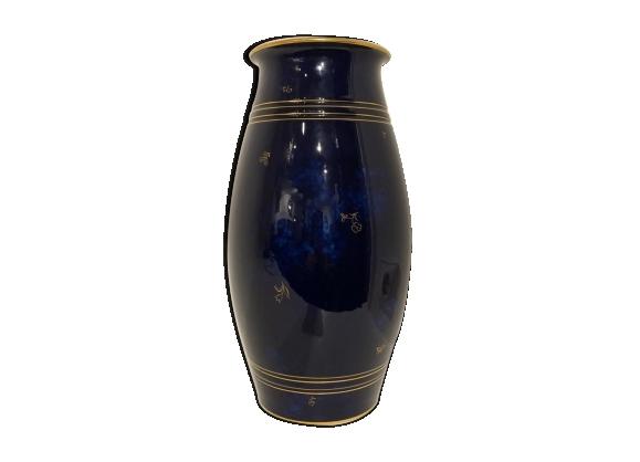 Vase en porcelaine bleue de Sèvres début XXème
