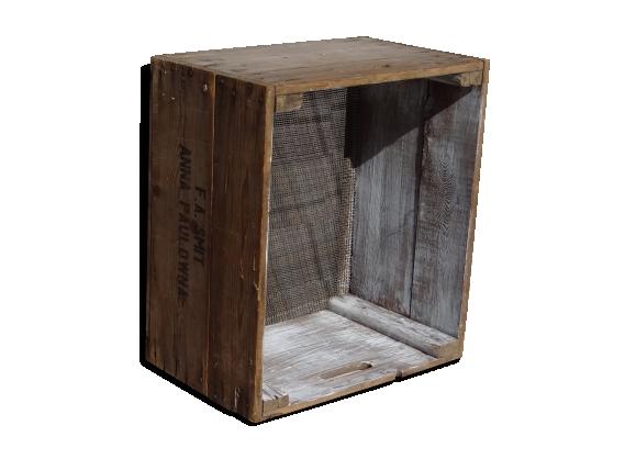Vieux Cageots de bois et metal