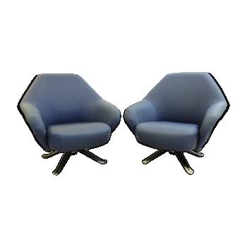 "Pair of ""P32"" lounge chairs by Osvaldo Borsani for tecno"