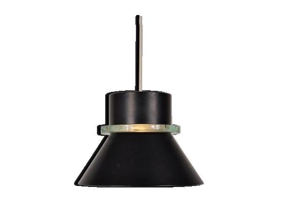 lampe suspension en m tal noir avec anneau en verre de. Black Bedroom Furniture Sets. Home Design Ideas