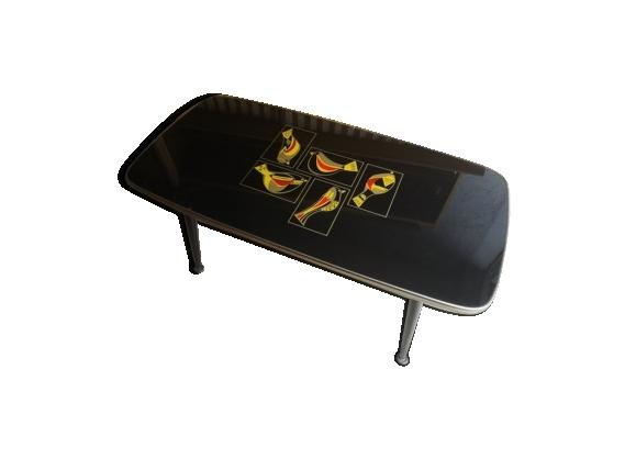 Table basse vintage avec motifs oiseaux
