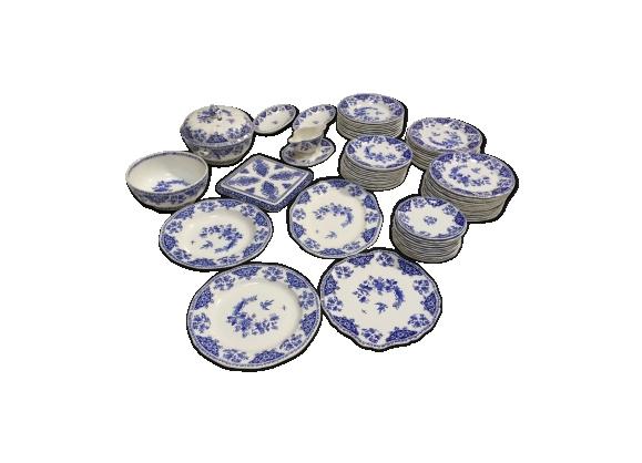 Service porcelaine de Gien modèle Delft 68 pièces