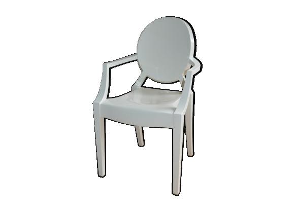 Fauteuil Louis Ghost édition Kartell par Philippe Starck
