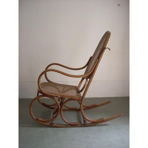 lot de 2 rocking chair bois mat riau marron bon tat vintage. Black Bedroom Furniture Sets. Home Design Ideas